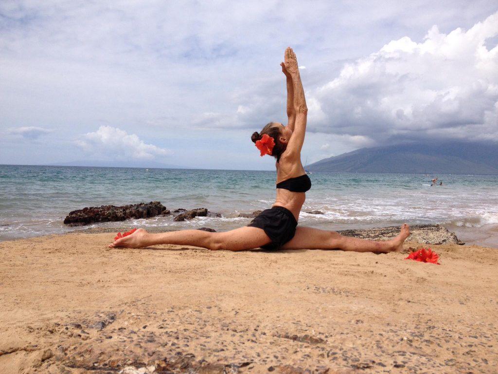 Ann-Barros-Bali-Yoga-beachside